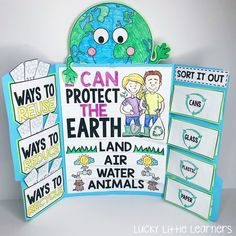 This Earth Day lapbook is awesome! It covers the 3 R's: reduce, reuse, and recycle. It also covers how to take care of the planet and how to sort different recyclables. Earth Day Projects, Earth Day Crafts, School Projects, All About Earth, Earth Day Posters, Earth Day Activities, Reduce Reuse Recycle, Thinking Day, Little Learners