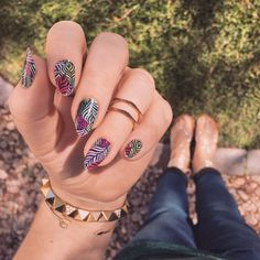 Copacabana | Jamberry | Featuring wispy ferns and rich, vibrant hues, escape to the beautiful beaches in 'Copacabana'.