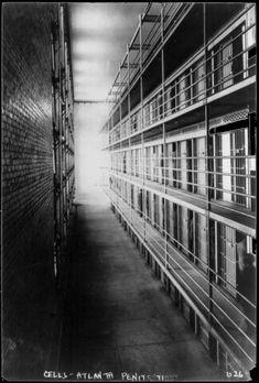 BLOG DO RADIALISTA EDIZIO LIMA: História-Alcatraz=Where the voices of Alcatraz come to life...