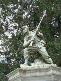 Monument aux morts de 1870, ou Monument du Souvenir français – Nérac. Aquitaine
