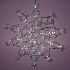 DIY Tutorial DIY Snowflakes / DIY recycle rings into snowflake - Bead&Cord Christmas Projects, Holiday Crafts, Christmas Holidays, Christmas Ornaments, Snow Crafts, Halloween Projects, Green Christmas, Holiday Fun, Christmas Ideas