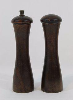 "Vintage Wooden Salt shaker & Pepper grinder Made In Italy Kitschy 8"" Dark Wood"