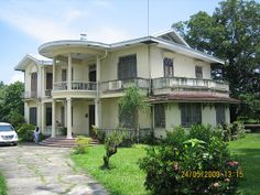 1931 Chong House in Malolos, Bulacan Resorts In Philippines, Philippine Architecture, Filipino House, Iloilo City, Philippine Houses, Old Houses, Beach House, Outdoor Living, Mansions