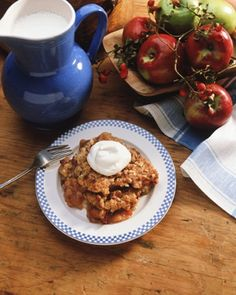 Apple Crumble recipe - perfect for fall or thanksgiving dessert