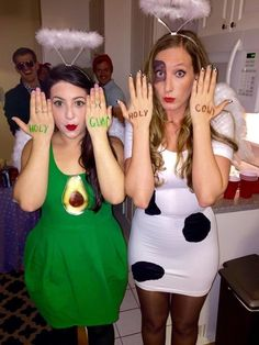29 Clever Pun Halloween Costumes That Are Spooktacular For Any Party