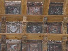 Cloitre de la Cathedrale de Frejus : Peintures médiévales du plafon