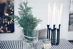 How to decorate with tree trimmings. velvetsedge.com, Christmas decor, Christmas table setting