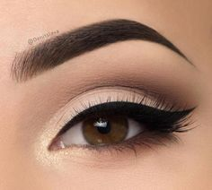light smokey eye and a wing liner.