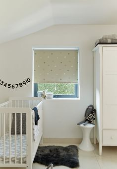 Our Starry Sky Beige Roller blind features a blackout coating that& perfect for nurseries and children& rooms alike. The pretty beige design will help to keep light at bay on lighter mornings, while children will be captivated by the pretty pattern. Roller Shades, Kids Bedroom, Kids Rooms, Bedroom Ideas, Skylight Blinds, Blackout Blinds, Kids Curtains, New Homes
