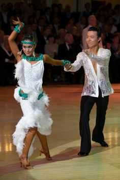 Lu Ning & Jasmine Ding Fang Zhang | Blackpool Dance Festival 2011 [Fabulous colors and love the elegance of the feathers]