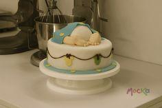 Ponque para celebrar un #BabyShower!  www.mocka.co  #mocka #pasteleria #cakeshop #ponque #torta #pastel #ponquebabyshower #ponqueinfantil #tortainfantil