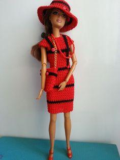 vêtement poupée mannequin Barbie (317)