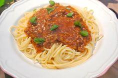 mama's pastasaus Dutch Recipes, Italian Recipes, Spaghetti Bolognese, 20 Min, Food Inspiration, Pasta Recipes, Good Food, Food And Drink, Dishes