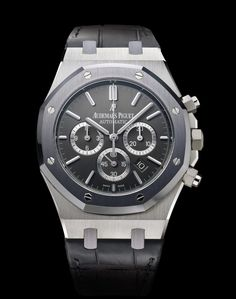 Audemars Piguet Selfwinding chronograph with date display and small seconds at 6 o'clock. Case in steel, tantalum bezel, brushed anthracite dial, strap in anthracite. Limited edition of 500.