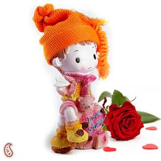For perfect Valentine's Day, you can gift this lovable Ceramic Showpiece to make him/her very happy.