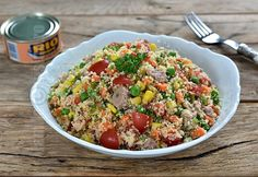 De mult nu mai facusem salata cu ton si couscous. Am descoperit couscous-ul in Maroc, acum destul de multi ani, cand am fost prima data in vizita la soacra