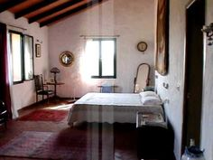Property in Spain, Country house for sale in Ubrique, Andalucia, video 1, ref 702 - YouTube. Students provide the detail about the house in Spanish to practice home vocabulary
