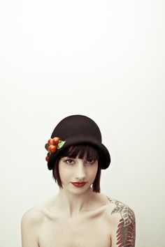 Millinery by:- http://www.hollyyoungboutique.com/    Photography by:- http://www.andreapenningtonphotographer.co.uk/
