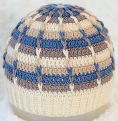 Striped Beanie Para O Filho Crochet Cap, Crochet Beanie, Love Crochet, Crochet Scarves, Crochet Stitches, Knitted Hats, Crochet Patterns, Crochet World, Sombrero A Crochet