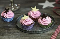 Suklaatähti CupCake -leivokset Cupcakes, Sweet, Desserts, Food, Candy, Tailgate Desserts, Cupcake Cakes, Deserts, Essen