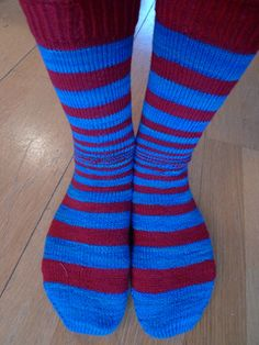 The Doppler effect is the change in frequency of a wave for an observer moving relative to the source of the wave. It is commonly heard whe. Knitting Patterns Free, Free Knitting, Knitting Socks, Free Pattern, Crochet Socks, Knit Crochet, Fantasy Craft, Slippers, Booty