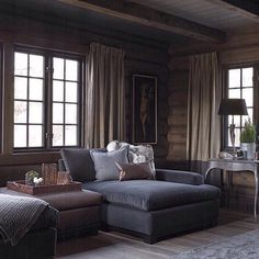 Ideas for Decorating a Family Room with Rustic Cabin Style Cabin Homes, Log Homes, Chalet Interior, Interior Design, Home And Living, Living Room, Bungalow, House Design, Home Decor
