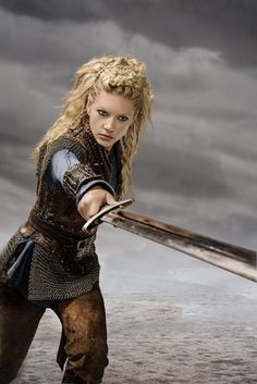 Vikings Lagertha Season 3 Official Picture - vikings-tv-series Photo