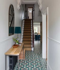 South London Interior Garden Designer transforms your home into an inspiring space that is totally unique and full of character. Tiled Hallway, Hallway Ideas Entrance Narrow, Hallway Flooring, Modern Hallway, Blue Hallway, Narrow Hallway Decorating, Entryway, Victorian Terrace Hallway, Decoration Hall
