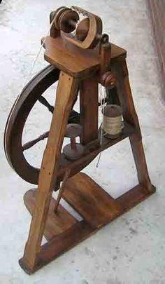 My new old Felicity wheel! So rare - made by M.D. Johnson in Christchurch in the 1960s. I love its beautiful clean lines.