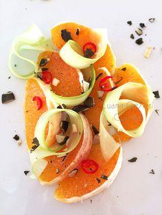 Arance piccanti con sedano e semi di zucca http://luanacestaricuisine.tumblr.com/post/110325044860/arance-piccanti-con-sedano-e-semi-di-zucca