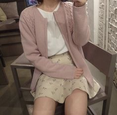 Image about style in estilo by Asian Fashion, Look Fashion, Fashion Outfits, European Fashion, Aesthetic Fashion, Aesthetic Clothes, Aesthetic Outfit, Pretty Outfits, Cute Outfits