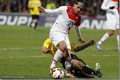 Colombia se aferra a un milagro para que Falcao pueda jugar el Mundial de Brasil - http://www.leanoticias.com/2014/01/23/colombia-se-aferra-un-milagro-para-que-falcao-pueda-jugar-el-mundial-de-brasil/