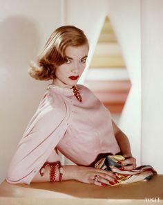 Charlotte Payne Vogue April 1955 © Horst P. Horst