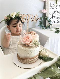 Floral First Birthday 1st Birthday Cake For Girls, Birthday Girl Pictures, 1st Birthday Party For Girls, Girl Birthday Decorations, Girl Birthday Themes, First Birthday Cakes, 1 Year Old Birthday Cake, Baby Birthday, Birthday Ideas