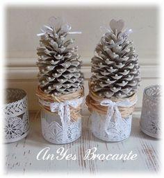 Brocante kerstboompjes van denne-appels in brocante stijl http://www.anyes-brocante.nl/