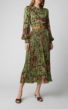 Shop The Act Of Nature Pleated Chiffon Skirt. Johanna Ortiz's 'The Act of Nature' chiffon skirt is designed with a high-rise fit and a maxi length. Modest Wear, Modest Dresses, Casual Dresses, Fashion Dresses, Print Chiffon, Chiffon Skirt, Chiffon Blouses, Look Boho, Going Out Dresses
