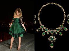 Astazi pe blogul atelierului creativ Talis, rochia verde tip alice este in centrul atentiei. O rochie eleganta perfecta pentru evenimente restranse in familie sau cu prietenii. Citeste articolul pe http://talis.ro/blog/sensual-lights-by-talis-articol-3/