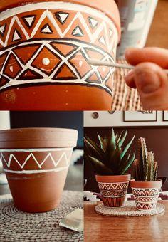 Painted Plant Pots, Terracotta Plant Pots, Painted Flower Pots, Painting Terracotta Pots, Painting Clay Pots, Paint Garden Pots, Diy Painted Vases, Painted Pebbles, Flower Pot Art