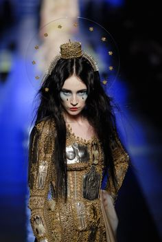 Mary, Our Lady of Haute Couture, by Jean Paul Gaultier Fashion Art, Fashion Week, High Fashion, Fashion Show, Fashion Design, Couture Fashion, Womens Fashion, Jean Paul Gaultier, Paul Gaultier Spring