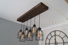 Farm House Light - hanger verlichting - hout licht - keuken licht - industriële Chic - kroonluchter - teruggewonnen hout - houten meubilair-licht door UnionHillTradeCO op Etsy https://www.etsy.com/nl/listing/385085184/farm-house-light-hanger-verlichting-hout
