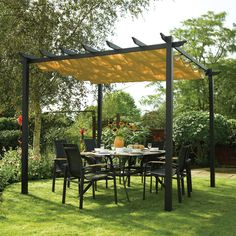 Whether it's to provide shade for your dining table or avoid a sudden rain shower, this free-standing retractable canopy will be a sturdy and attractive addition to your garden, deck or patio.