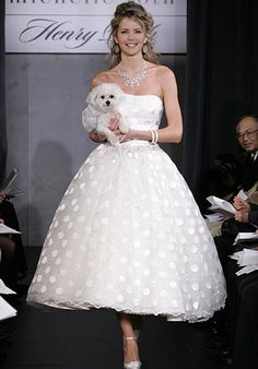 Online Sale 2012 Ball Gown Tea-Length Appliques Gauze Satin Bridal Dresses (SWD-053)