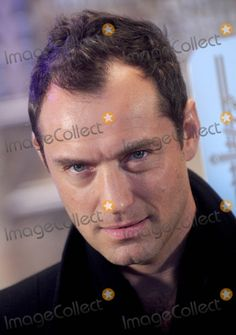 Photos and Pictures - Photo by: Dennis Van Tine/starmaxinc.com STAR MAX 2016 ALL RIGHTS RESERVED Telephone/Fax: (212) 995-1196 11/14/16 Jude Law is seen at The Empire State Building. (NYC)
