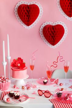 DIY Valentine's day decorations for you to host your next party, Valentine's wreaths, Galentine's brunch party ideas, elegant Valentine's day party decorations Valentines Day Food, My Funny Valentine, Valentines Day Decorations, Valentine Day Love, Valentine Day Crafts, Valentine Party, Vintage Valentines, Valentinstag Party, Holiday Parties