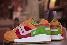 "footsell_community > 스니커 & 패션토크 > END. x Saucony Shadow 5000 ""Burger"""