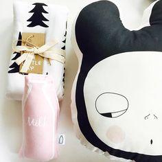 Dreamy nusery stuff! #themilkcollective #pluche #softtoy #cushion #babytoy #babygift #babyblanket #gran #finelittleday #organic #milk #milkshake #milkbottle #rattle #nurserygift #amayadeeme #pillow #blackandwhite #monochrome #kidsroom #kidsdecor #littlelovedones #pink