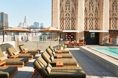 We scouted 10 of the coolest rooftop bars in Los Angeles just for you and yes they all come with incredible views, lush scenery, and delicious cocktails.