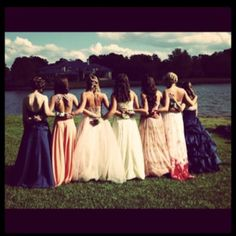 I want to take a picture like this with my girls someday......
