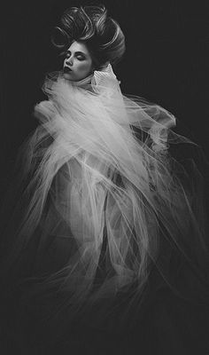 She put on her veil, covering her berserk celestial face, gliding through the streets of ruin with no resting place of happiness or joy. Fashion Shoot, Look Fashion, Editorial Fashion, Fine Art Photography, Portrait Photography, Fashion Photography, Black White Photos, Black And White, Dreamland