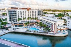 Check Out Resort Pass This Summer-Tampa Bay Date Night Guide Hollywood Hotel, Hollywood Beach, Amelia Island Hotels, Miami Beach Resort, Naples Hotel, Clearwater Beach Resorts, Miami City, South Beach Hotels, Wellness Resort
